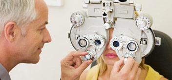 profesionales del cuidado de los ojos de pearle vision
